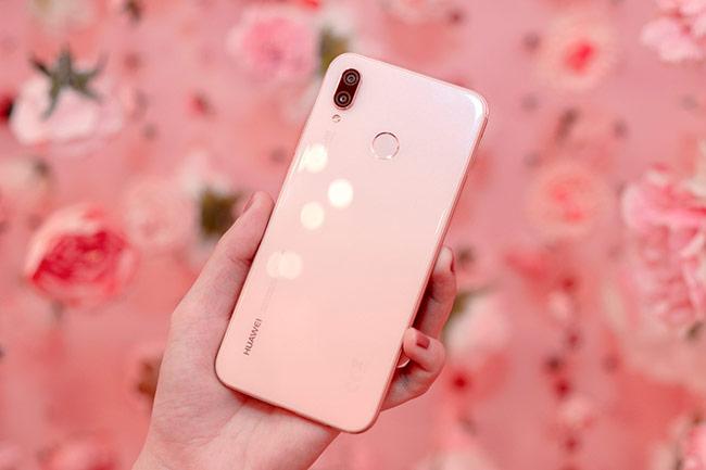 Huawei ra mắt Nova 3e phiên bản hồng Sakura