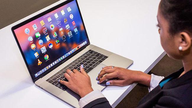 Apple thừa nhận lỗi bàn phím 'bướm' trên MacBook