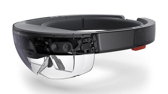 HoloLens là một trong số các thiết bị sử dụng nhiều công nghệ từ Kinect