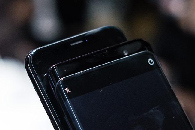 Find X so dáng với iPhone X và Galaxy S9+