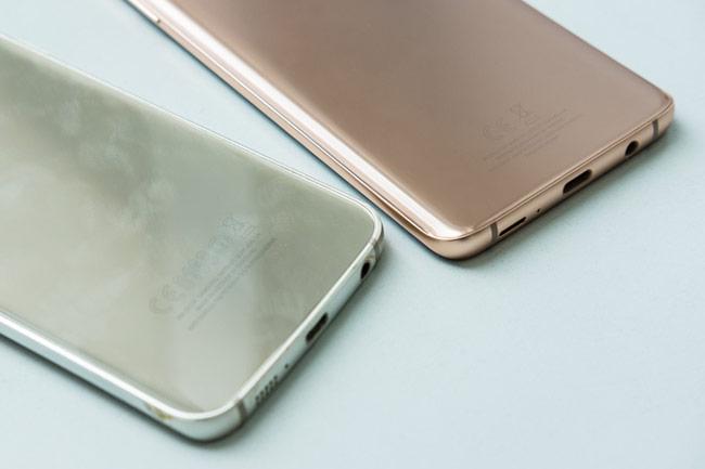 màu Sunrise Gold trên S9+ trông đậm và giống kim loại