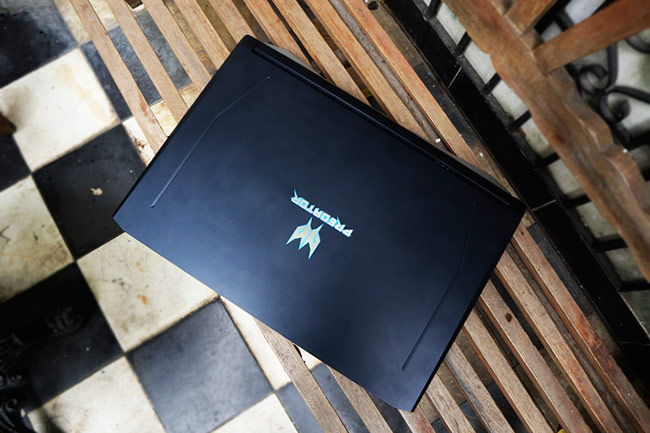 Laptop chơi game chạy Core i9 đầu tiên của Acer