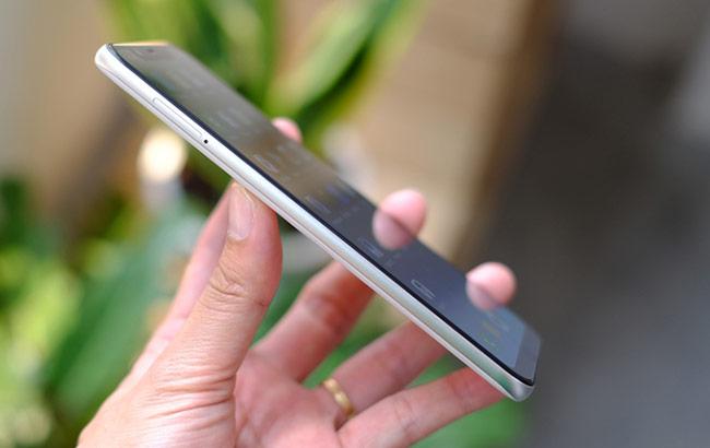 Xiaomi Mi 8 - smartphone hiệu năng cao nhất thế giới về Việt Nam