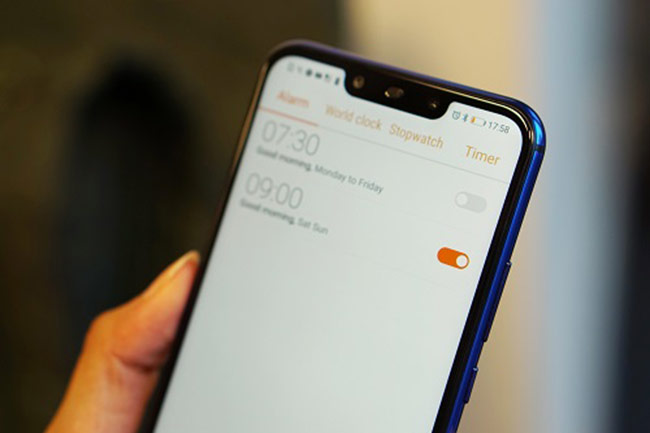 Huawei Nova 3i lộ diện thực tế tại Việt Nam