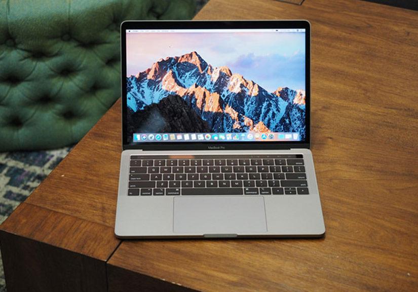 MacBook Pro 2018 quá nóng, phải bỏ vào tủ lạnh