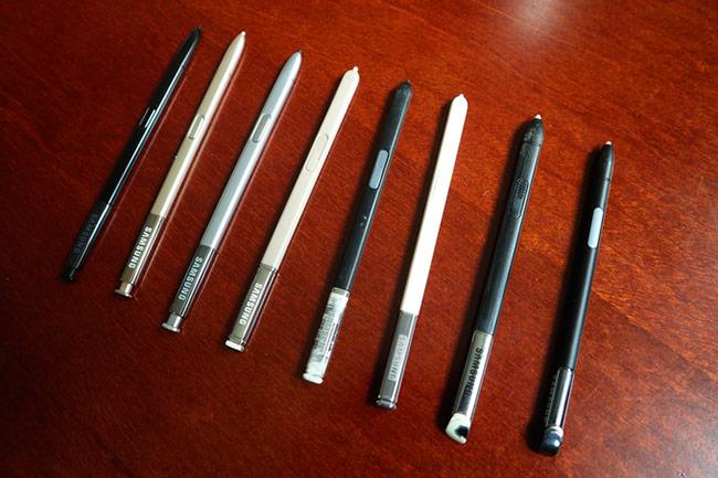 Bộ sưu tập máy cũng đi kèm với bút S Pen các thời kỳ