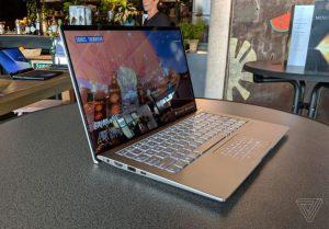 Laptop màn hình không viền của Asus, giá từ 900 USD