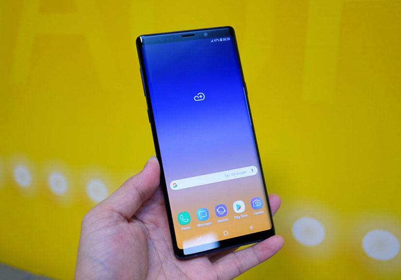 Mở hộp Galaxy Note9 sắp ra mắt tại Việt Nam