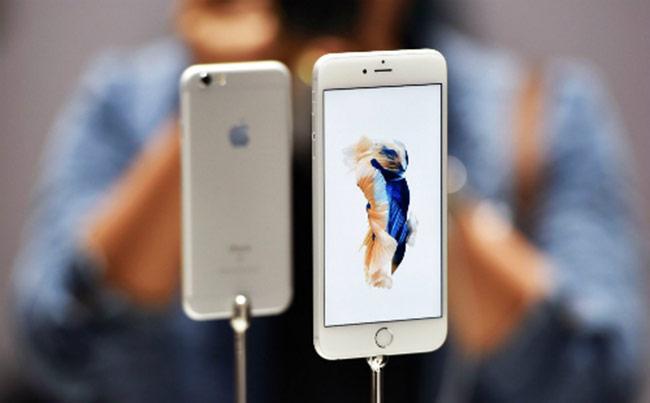 Nhiều mẫu iPhone đời cũ quay đầu tăng giá