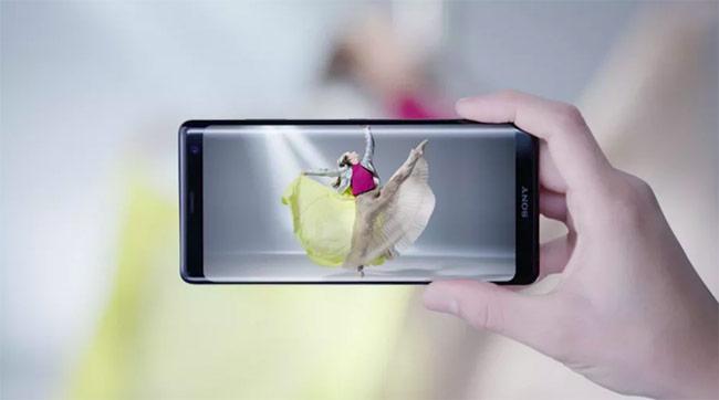 XZ3 sử dụng màn hình OLED 6 inch độ phân giải 2.880 x 1.440 pixel