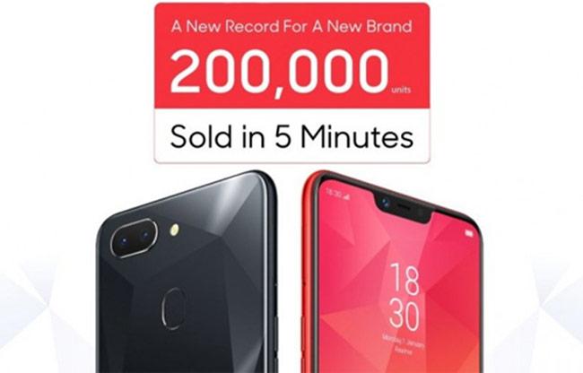 200.000 smartphone tai thỏ của Oppo bán hết trong 5 phút