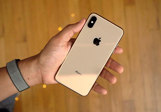 iPhone Xs tiếp tục gặp lỗi không thể sạc khi tắt màn hình