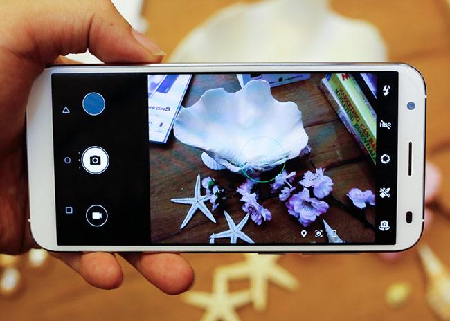 Giao diện chụp hình của N3D tốt hơn so với Asanzo S3 Plus