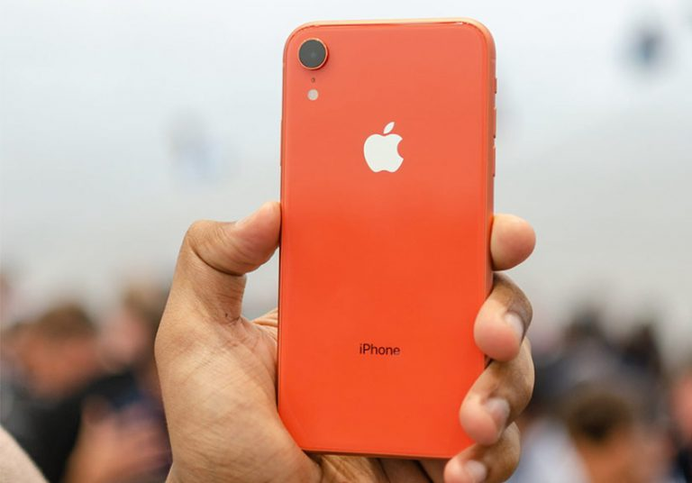 iPhone Xr có nhiều màu, giá niêm yết tại Mỹ từ 749 USD. Ảnh: Digitaltrend.