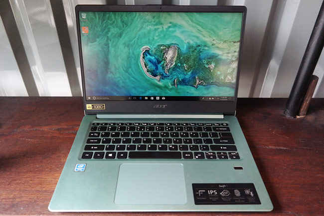 Acer Swift 1- Laptop pin 20 giờ giá gần 10,4 triệu đồng