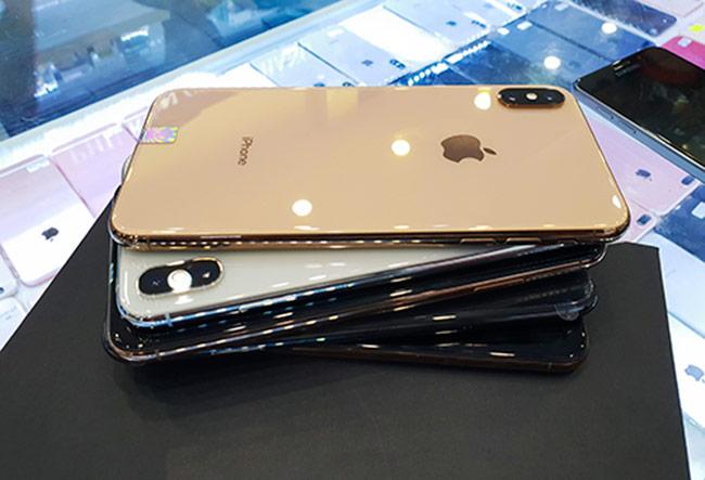 iPhone XS Max qua sử dụng về Việt Nam chưa đến 24 triệu đồng