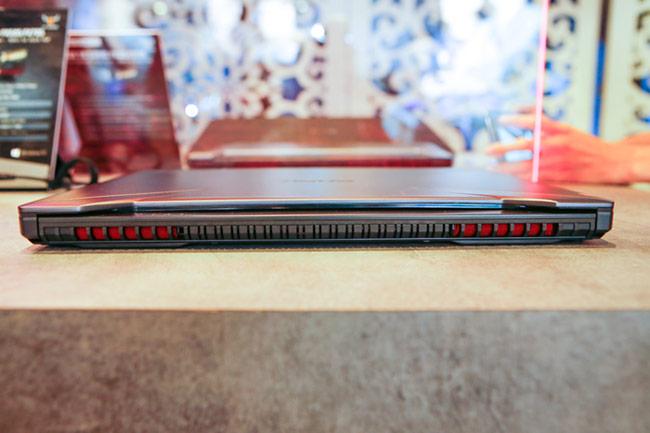 Hệ thống tản nhiệt cũng cải tiến với hệ thống quạt kép