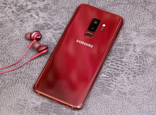 Galaxy S9+ màu vang đỏ (19,99 triệu đồng)
