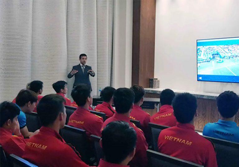 Công nghệ VAR tác động gì tới trận Việt Nam - Nhật Bản