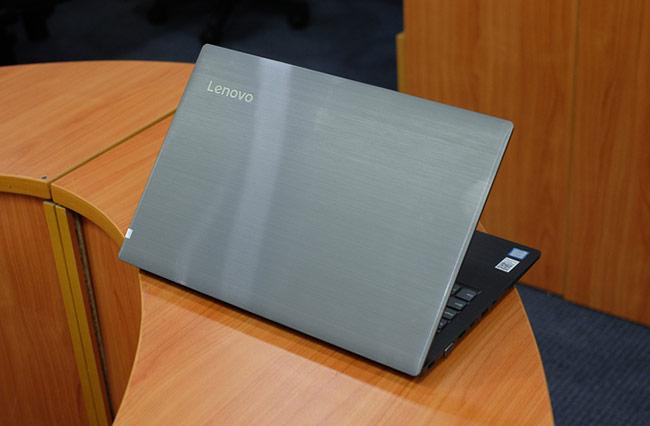V330 là mẫu laptop được Lenovo hướng tới người dùng mua thay thế máy tính để bàn truyền thống