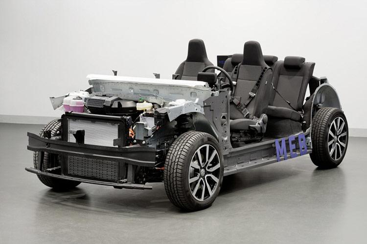 nền tảng MLBEvo của VW không chỉ xuất hiện trên những mẫu sedan cỡ nhỏ như A4, A5 mà cả những model cao lớn hơn như Q7, Q8 hay thậm chí là siêu SUV Urus.