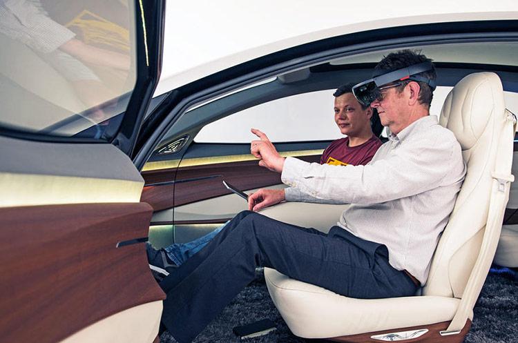 Để khắc phục hạn chế vừa nêu, một số tên tuổi như Continental AG hay Bosch đã phát triển các hệ thống cảm ứng xúc giác có khả năng phản hồi bằng xung lực để người dùng có thể tương tác mà không cần nhìn trực tiếp.