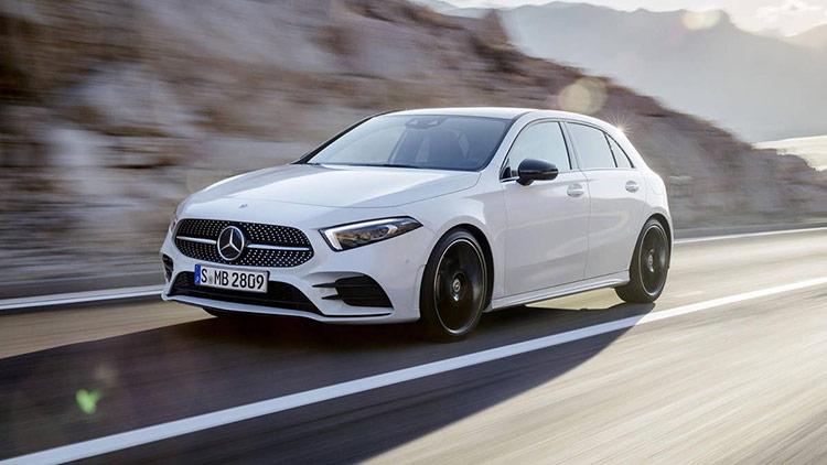 Mercedes-Benz cũng đang áp dụng AR trên model A-Class nhưng có phần đơn giản hơn.