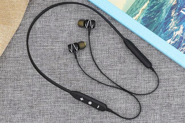 Ngoài ra, 3.000 khách hàng mua máy vào ngày đầu tiên mở bán 3/3 còn nhận được quà tặng là tai nghe bluetooth thời trang Awei G51BS