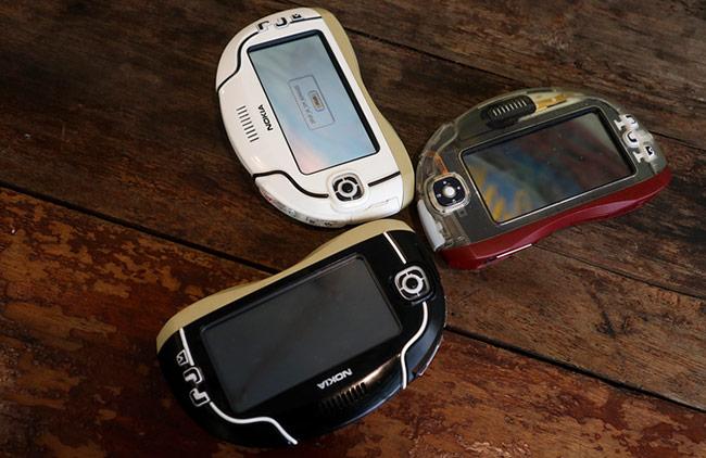một mẫu Nokia 7700 chưa hoàn thiện có giá không dưới 6.000 USD (khoảng 140 triệu đồng)