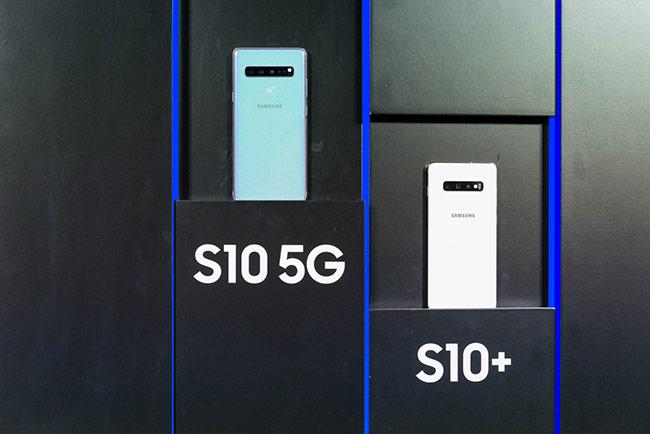Tại triển lãm MWC 2019 cũng đánh dấu sự ra mắt của LG V50 ThinQ và ZTE Axon 10 Pro, cả hai đều là những thiết bị cao cấp hỗ trợ kết nối 5G