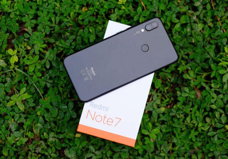 Smartphone camera 48 'chấm' giá chỉ 3,9 triệu đồng