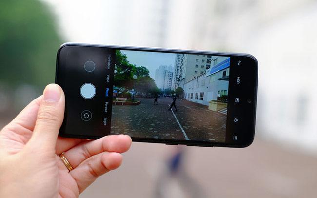 Redmi Note 7 không chỉ được trang bị camera kép ở mặt lưng,