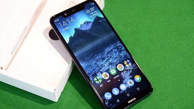 Nokia X5 là màn hình tai thỏ kích thước 5,8 inch