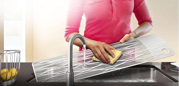 Làm sạch bộ lọc trong máy điều hòa của bạn ít nhất một lần/tháng