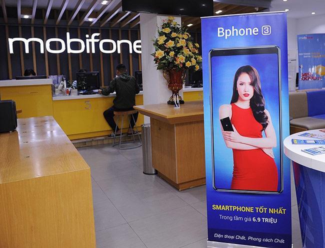 Bkav treo thưởng 100 triệu cho khách hàng mua Bphone 3