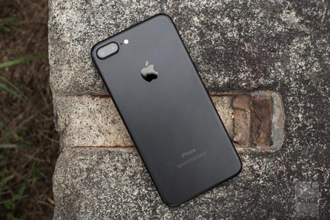 Mặc dù hệ thống camera kép của iPhone 7 Plus cũng trợ zoom quang học 2x