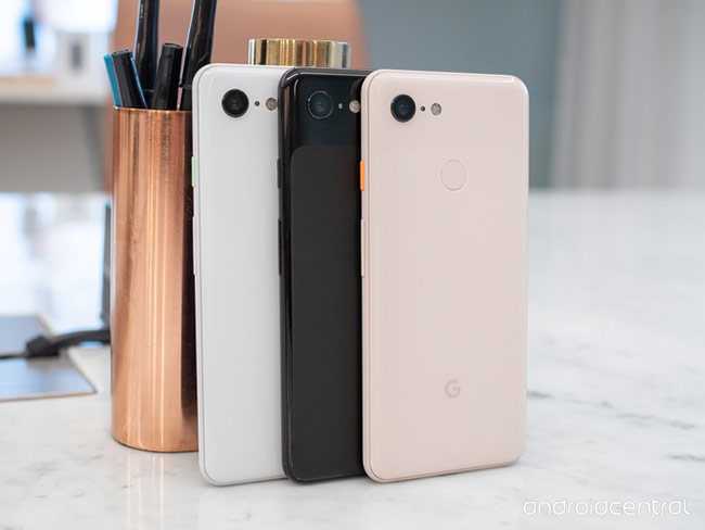 Google Pixel 3 (468 USD)