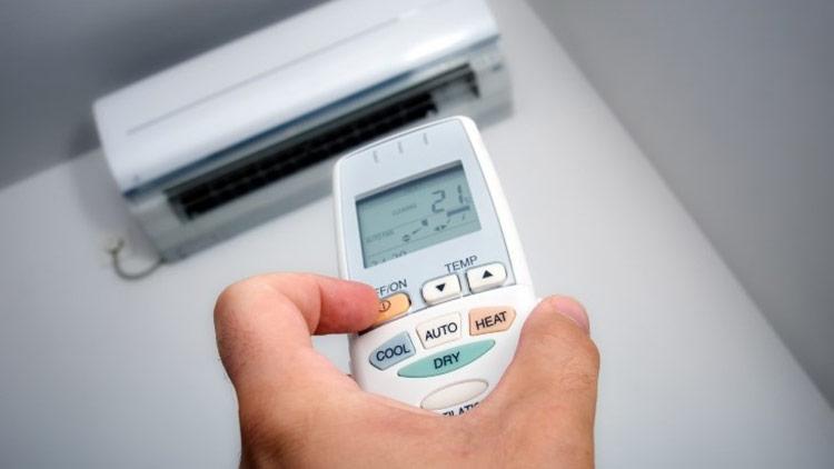 Có nên bật/tắt máy lạnh liên tục để tiết kiệm điện?