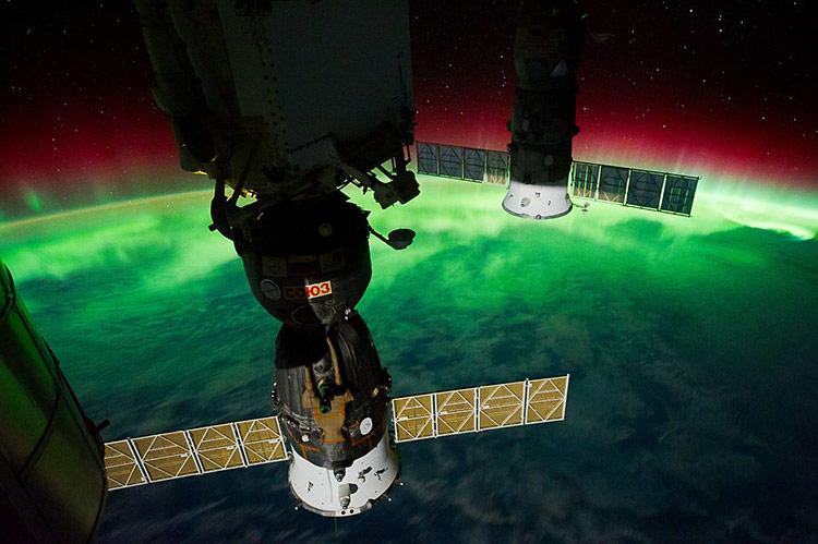 Vào tháng 2/2018, SpaceX phóng hai vệ tinh Starlink đầu tiên là Tintin-A và Tintin-B. Thử nghiệm trên đã giúp chứng minh những khái niệm lý thuyết lẫn cải tiến thiết kế vệ tinh.