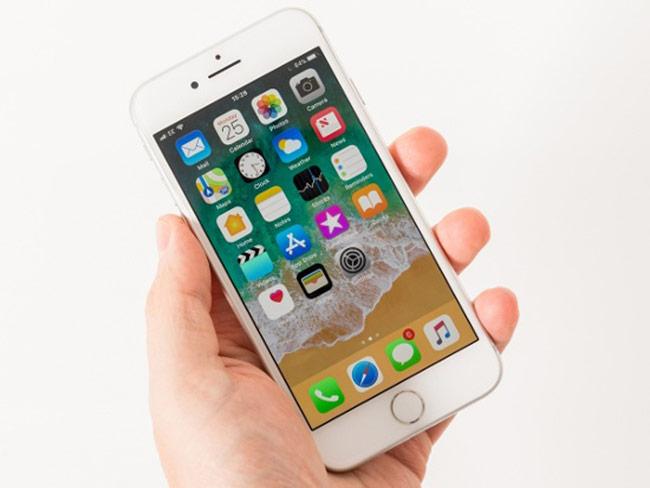 với nhu cầu sử dụng của hầu hết người dùng thì iPhone 8 vẫn rất đủ dùng, không mang đến trải nghiệm khác biệt đáng kể so với chiếc iPhone mới, trong khi mức giá thấp hơn đáng kể.