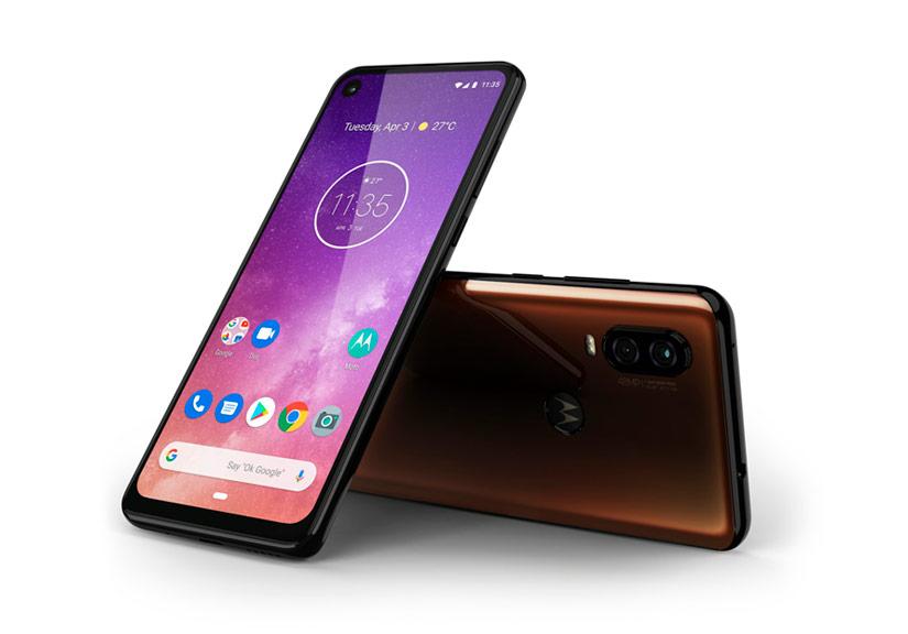 Ra mắt Motorola One Vision, bản sao của Galaxy S10