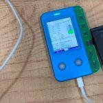 Thiết bị lạ 'phù phép' pin iPhone cũ thành mới ở Việt Nam