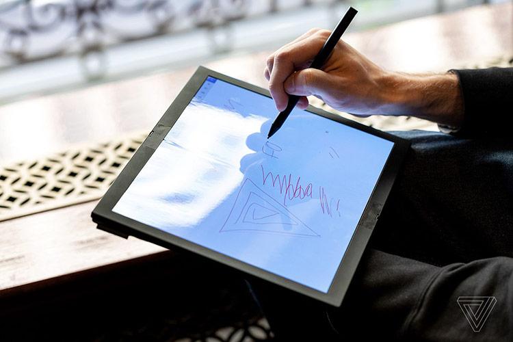 Lenovo cho biết nguyên mẫu này sẽ hỗ trợ một số loại bút cảm ứng, cho phép viết, vẽ trực tiếp lên màn hình.