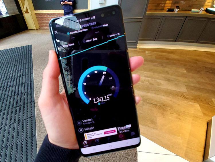 Tốc độ 5G cao nhất đo được trên Galaxy S10 5G (Ảnh: CNET)