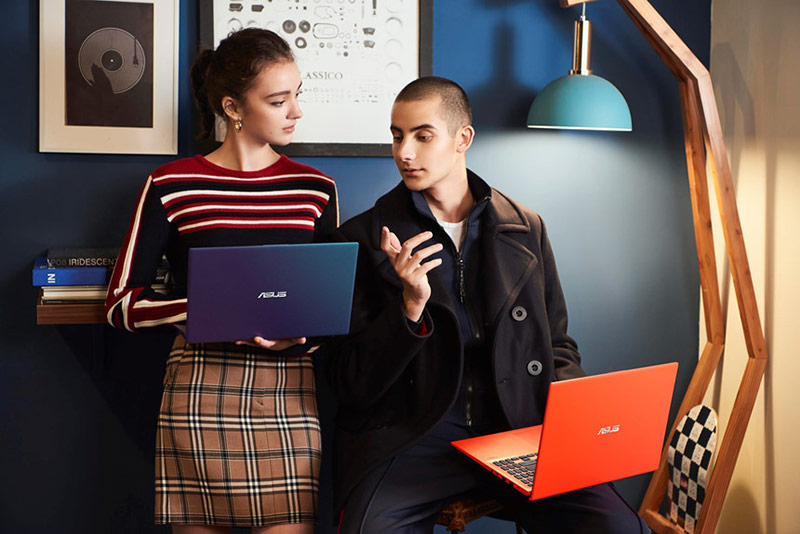 Ngoài màu sắc nổi bật, VivoBook 14/15 còn sở hữu nhiều tính năng hiện đại.