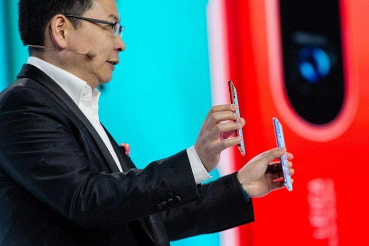 CEO Richard Yu hứa hẹn hệ điều hành mới không chỉ tương thích mà còn giúp cải thiện tốc độ của các ứng dụng Android. Ảnh: Bloomberg.