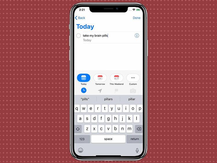 Thanh công cụ nhanh trong ứng dụng Reminders - Trên iOS 13, ứng dụng Reminders được thay đổi cả về giao diện và một số tính năng. Với thanh công cụ mới, người dùng có thể thêm thời gian, gắn các thông tin về tệp đính kèm, vị trí và các lời nhắc khác nhanh chóng hơn.