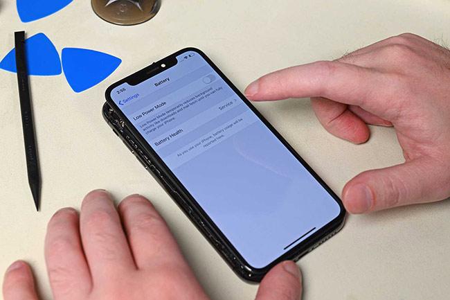 Apple chặn một tính năng nếu thay pin iPhone bởi bên thứ ba