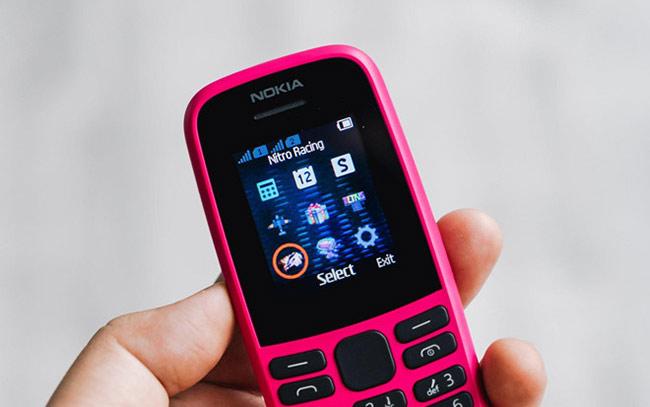 Nokia 105 2019 có viên pin dung lượng 800 mAh. Theo HMD Global, viên pin của máy có thể cung cấp thời gian chờ khoảng 25 ngày và đàm thoại 14 giờ