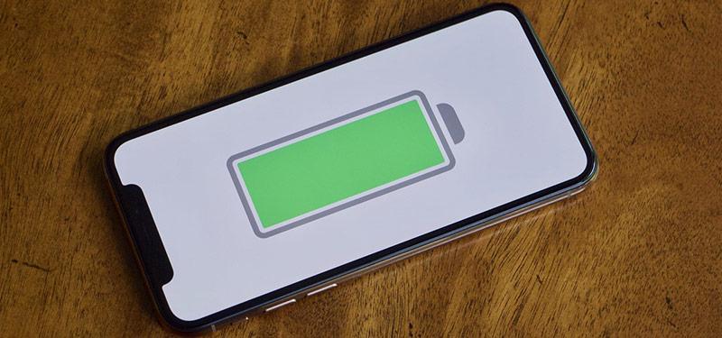 Người dùng cần pin iPhone lâu hơn. Ảnh: Gadgethacks.